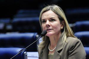 Gleisi Hoffmann é senadora da República e presidenta nacional do Partido dos Trabalhadores (PT)