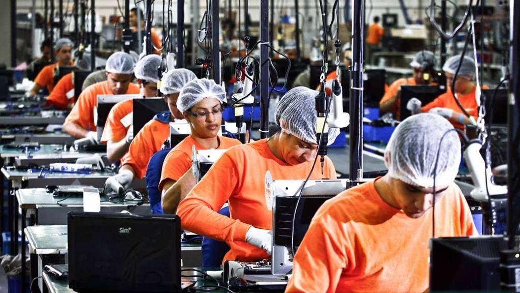 Mulheres na linha de produçãoMulheres na linha de produção